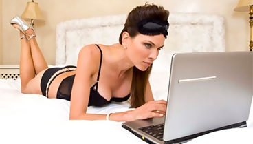 WOMEN HOOKED TO ONLINE PORN...